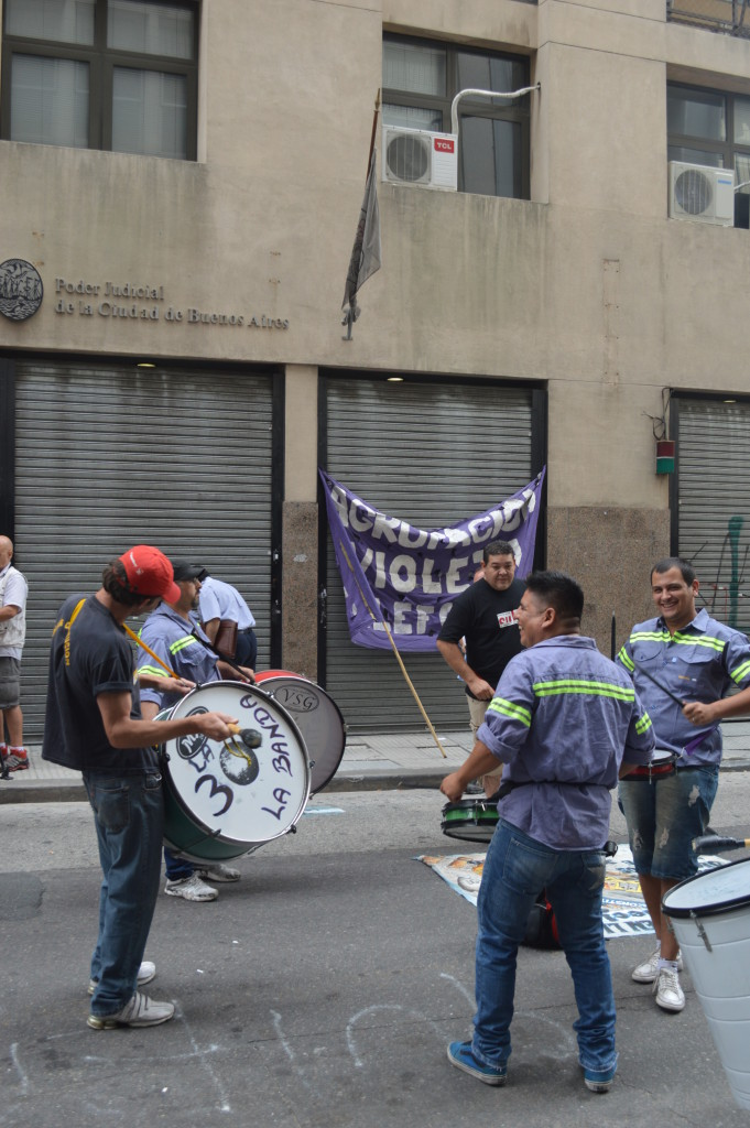 Protesta gremial frente al Tribunal en lo Penal, Contravencional y de Faltas