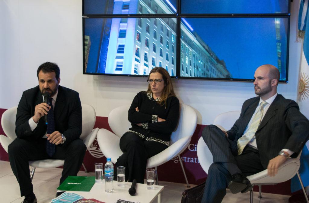 De iquierda a derecha: Martin Lopez Zabaleta (Fiscal), Maria Luisa Escrich (Jueza), Rodrigo Dellutri (Asesor Tutelar). Foto: Ijudicial