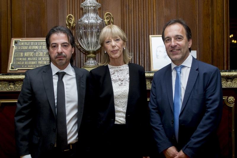 De izquierda a derecha: Marcelo Vázquez, Lidia Lago y Darío Reynoso. Foto gentileza Departamento de Prensa del Consejo de la Magistratura CABA